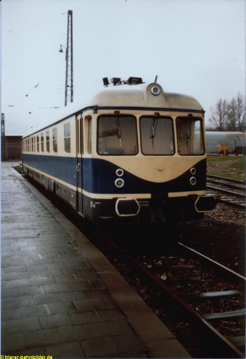 http://www.trierer-bahnbilder.de/assets/images/633-802_heidelberg_02-02-1983-a.jpg