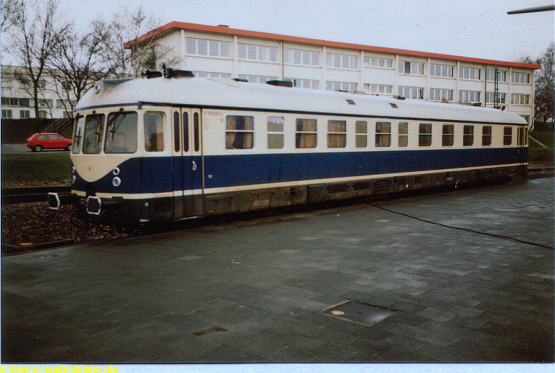 http://www.trierer-bahnbilder.de/assets/images/633-802_heidelberg_02-02-1983-b.jpg